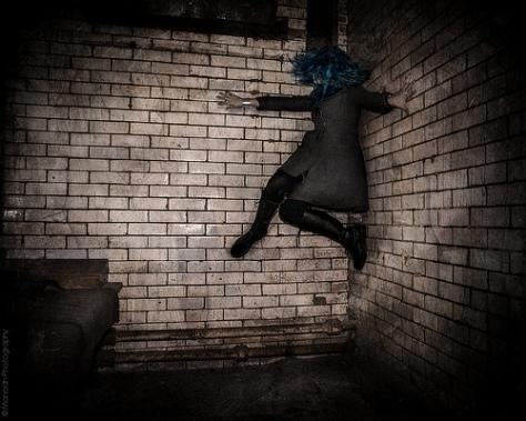 Climbing the walls & the Dark Ones