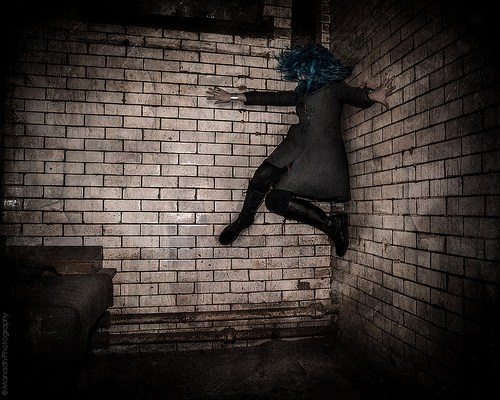 Climbing the walls & the Dark Ones